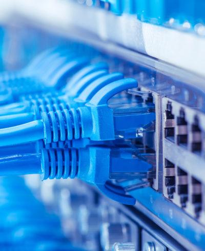 Lieferung von CAT. X Kabeln, Datendosen, Patchfelder, RJ45 Patchkabeln in verschiedenen Ausführungen, sowie PatchSee-Patchkabeln und Zubehör